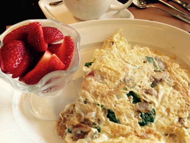 3 egg white omelette with onions, spinach and jalapenos and strawberries on the side