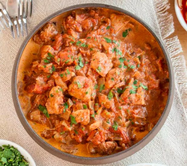 Crock Pot Chicken Tikka Masala + 6 Other MUST-TRY Healthy Crock Pot Meals