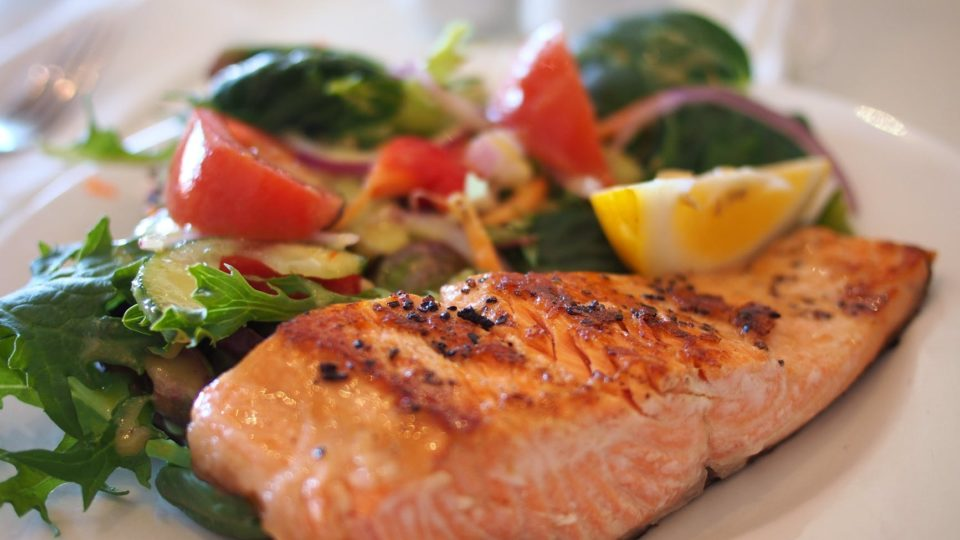 How long to bake salmon + 2 tender, juicy recipes