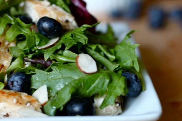 Healthy Eating at Work_Grilled Chicken and Blueberry Salad