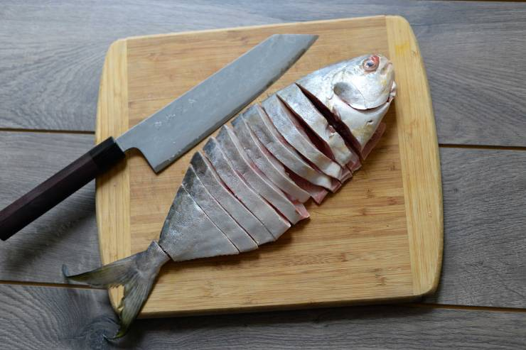 how-to-cut-pomfret-for-indian-curry