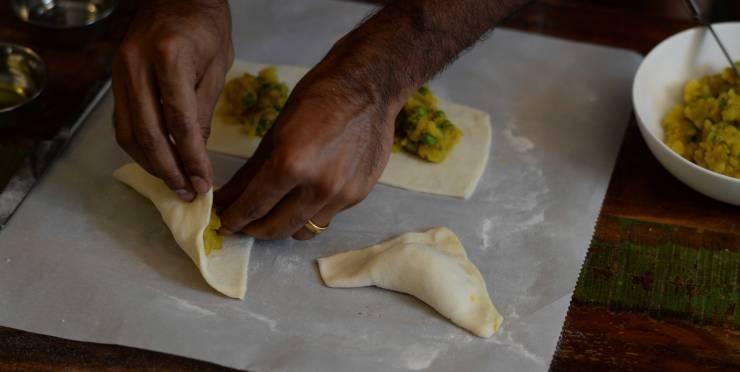 indian-vegetable-puffs-dough-technique-4