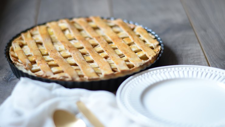 home-made-baked-apple-pear-pie