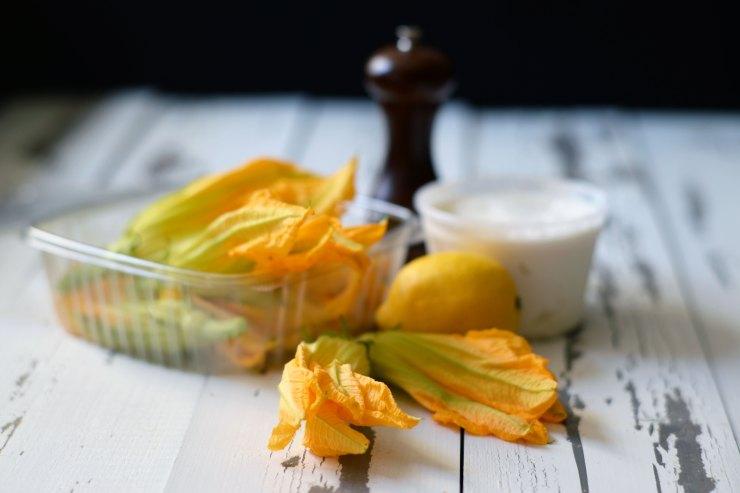 ricotta-stuffed-zucchini-blossom-yummy-appetizer