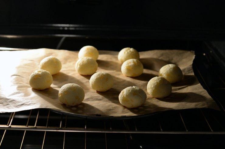 oven-baked-pao-de-queijo