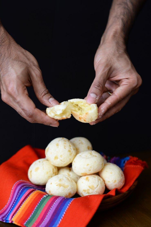 pao-de-queijo-brazilian-snack-recipe