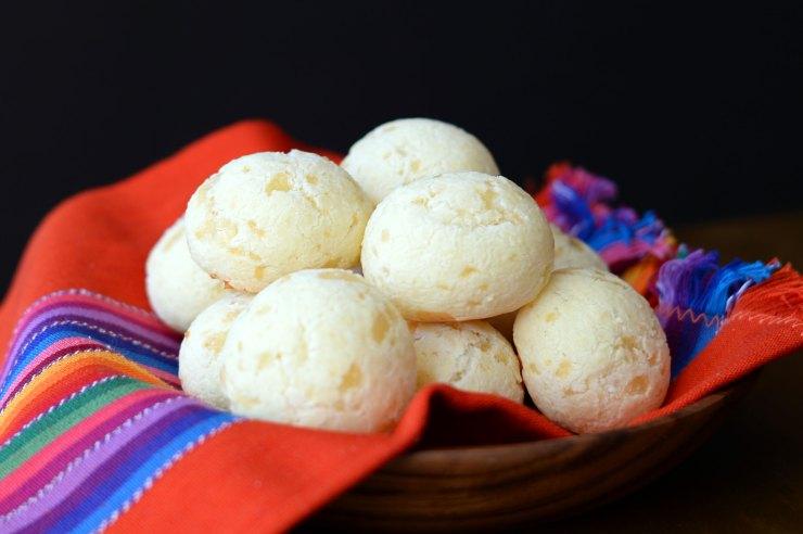 pao-de-queijo-recipe-yummy-snack