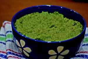 Curry Leaves Thogayal / Curry Leaves Chutney / Karuveppilai Chutney