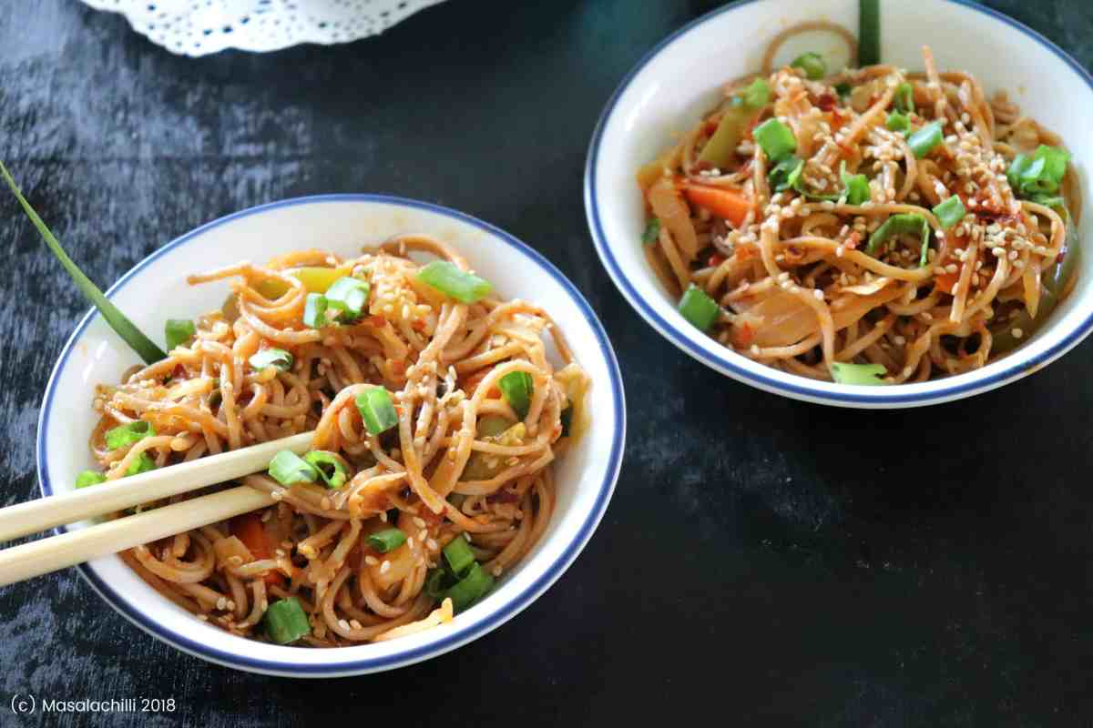 How to make Spicy Veg Hakka Noodles at home
