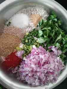 How to make Methi Thalipeeth