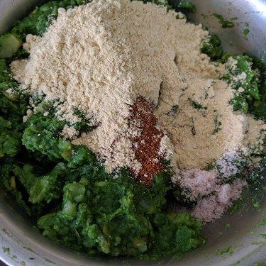 Adding gram flour to the potatoes