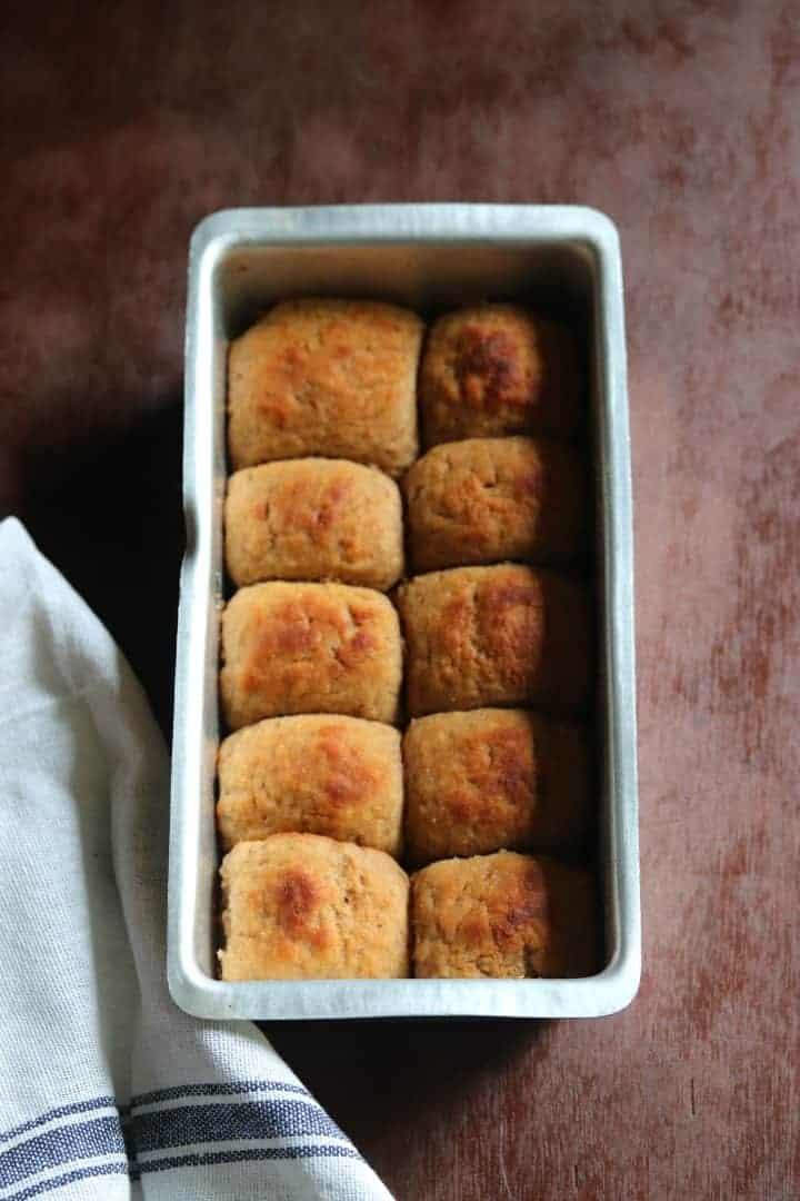 Whole Wheat Pav Recipe / Eggless Wheat Ladi Pav