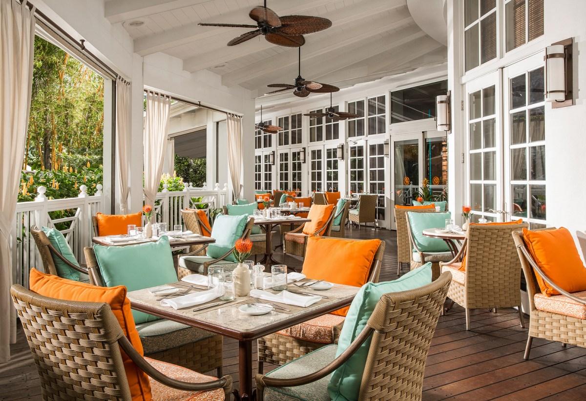 Brunch Essensia Restaurant & Lounge Palms Hotel