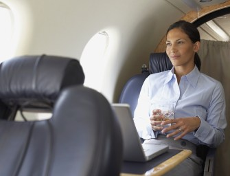 How to Stay Hydrated While Flying