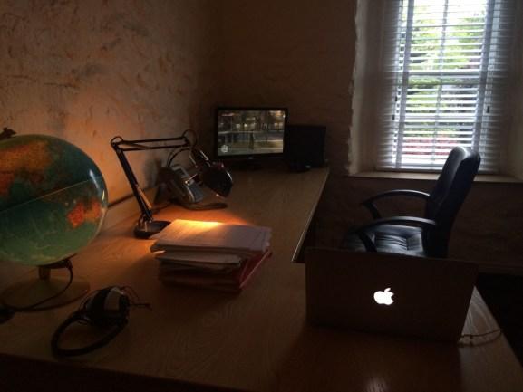 Desain Ruang Kerja Pengguna Macintosh - Ruang-kerja-pengguna-Apple-Mac-Computer-JDee-