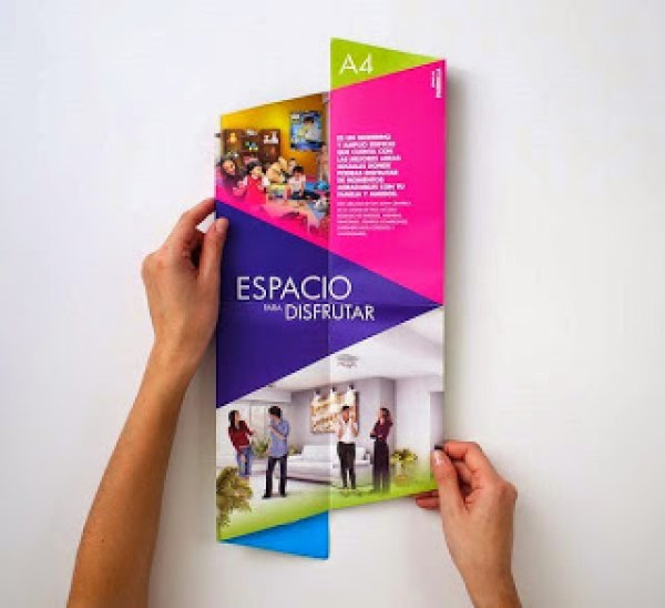 Contoh desain brosur desain kreatif - Real Estate Company 3