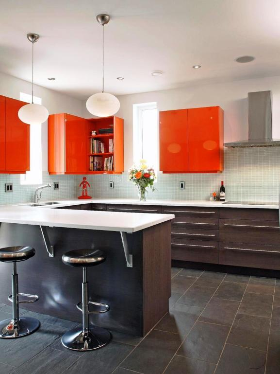 Menentukan Warna Cat Dapur Rumah - Robin Siegerman sleek kitchen orange cabinets