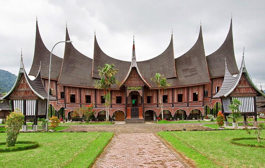 sejarah-rumah-adat-minangkabau-rumah-gadang negeri sembilan