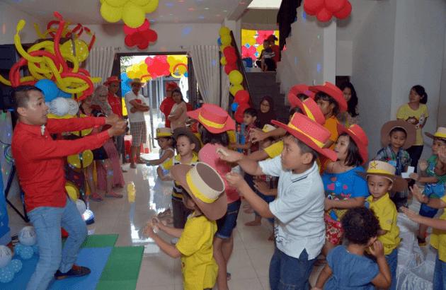 Contoh Susunan Acara Ulang Tahun: Acara Permainan dengan MC