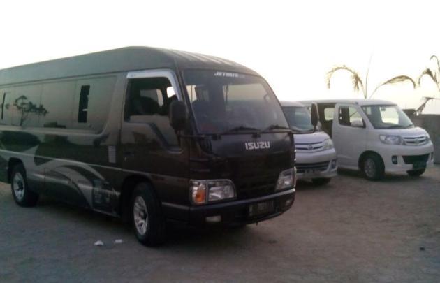 Armada mobil travel Jogja Surabaya Malang Solo Ngawi yang bagus 24 jam