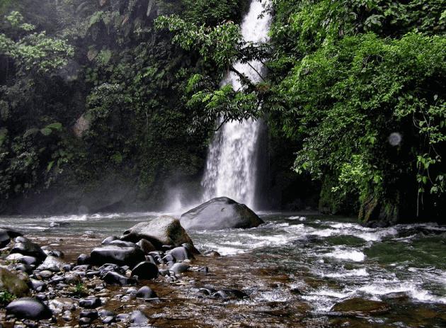 Objek Wisata Palembang Air Terjun Lematang Indahi
