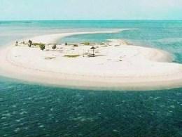 pulau eksotis