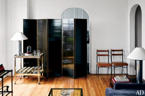 item2.rendition.slideshowWideHorizontal.thom-browne-03-living-room