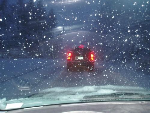 snowstorm-car