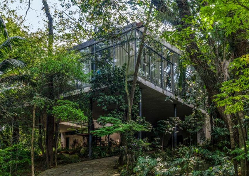 Resultado de imagen de Casa de Vidrio, Lina Bo Bardi, foto de José Manuel Ballester
