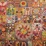"""Mural """"Pensamiento y Alma Huichol""""  de Santos Motoapohua de la Torre exhibido en la Estación Palais Royal de París"""