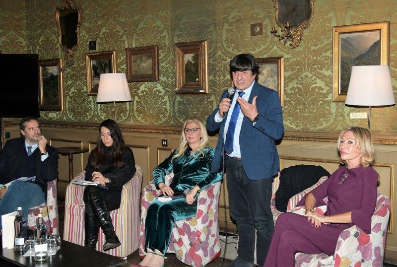 Un momento della presentazione del romanzo Le notti di Kos. Photo credit: Nick Zonna
