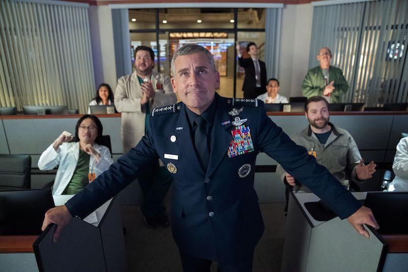 STEVE CARELL in una scena dell'episodio 2 di SPACE FORCE. Photo: Aaron Epstein/Netflix ©