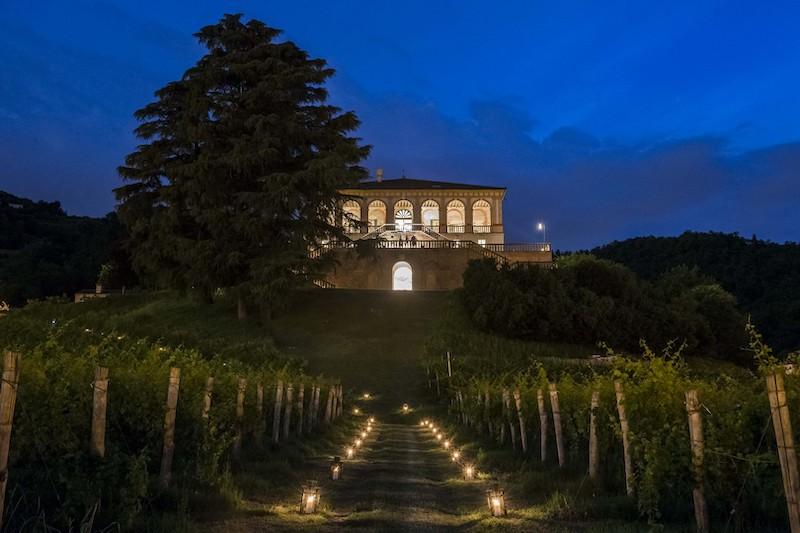 SERE FAI D'ESTATE, Villa dei Vescovi (PD) di notte. Foto: Stefano Crove, 2016 © FAI Fondo Ambiente Italiano.