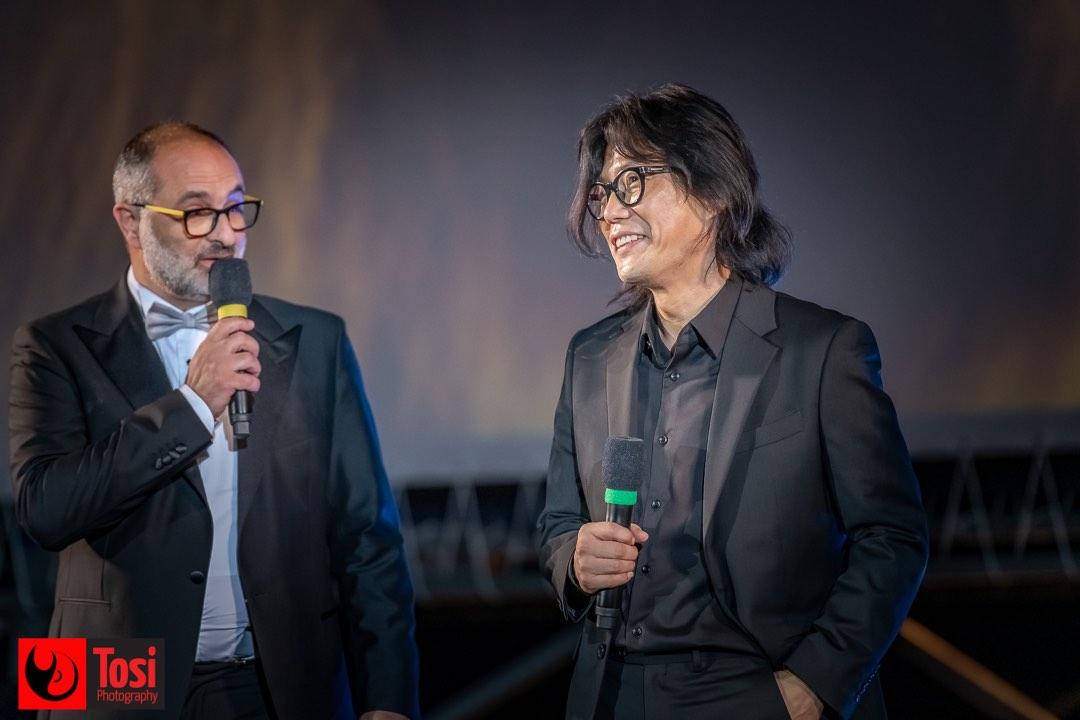 Tosi Photography-Locarno 2021-Piazza Grande-film Sing Keu Hol-Director Kim Ji-Hoon with Giona A. Nazzaro