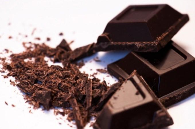 Coklat hitam