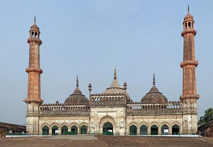 Masjid Asafi yang Berada di Lucknow, India