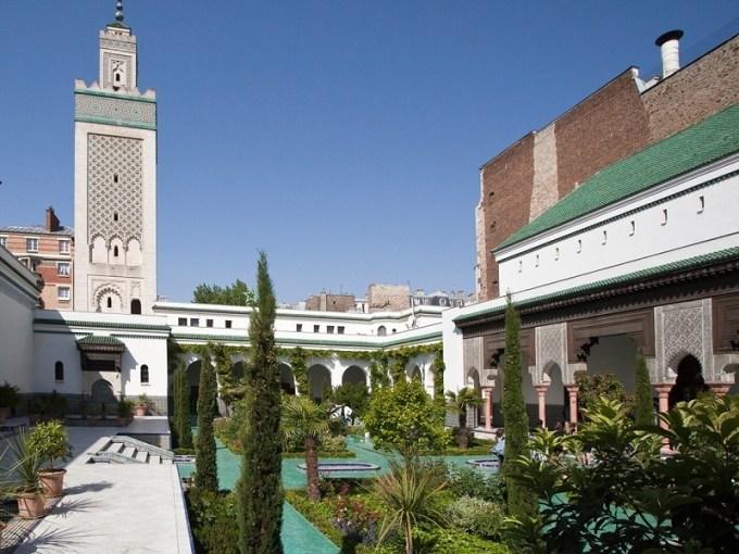 Masjid Raya Paris yang Berada di Paris, France