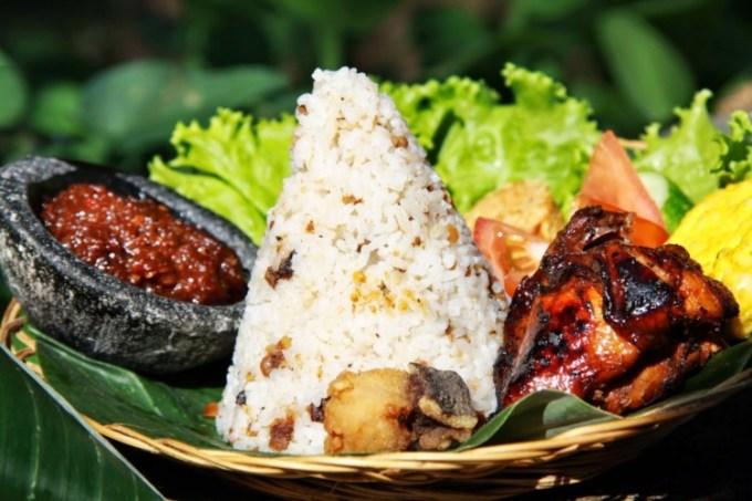 Nasi Tutug Oncom Khas Sunda