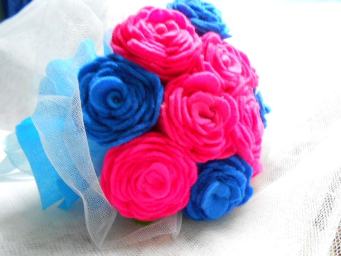 Bunga mawar kain flanel yang indah