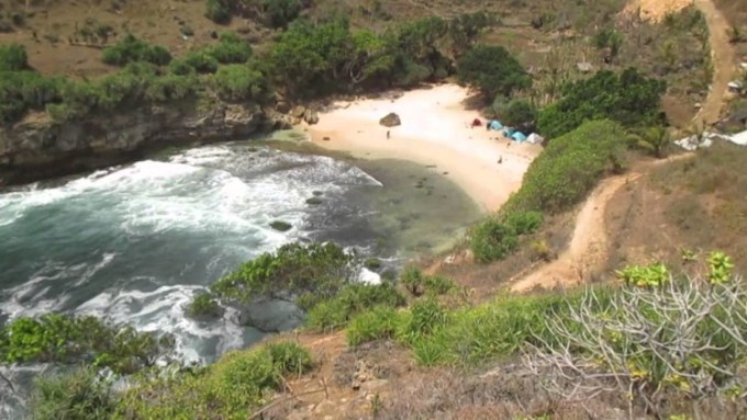 Pantai Ngetun Gunungkidul Yogyakarta