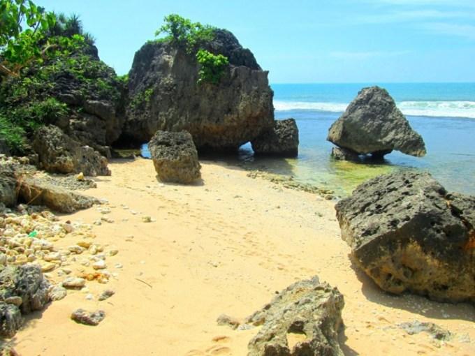 Pantai Pringjono Gunungkidul