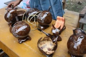 Kerajinan dari Batok atau Tempurung Kelapa
