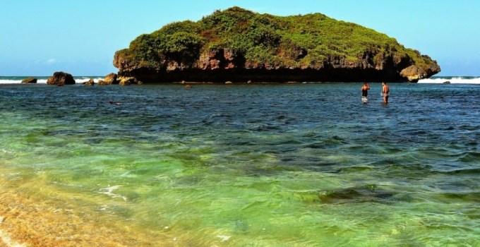 Pantai Sadranan Gunungkidul Jogja