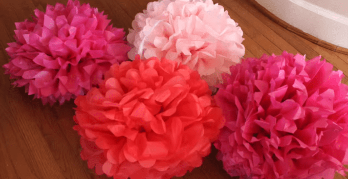 Bunga pompom dari kertas krep