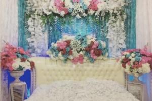 Kamar pengantin penuh bunga