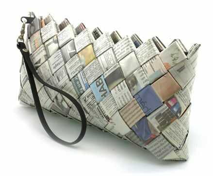 tempat pensil dari koran - cara membuat kerajinan tangan dari koran bekas
