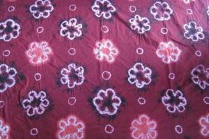 Batik jumputan bermofit bunga
