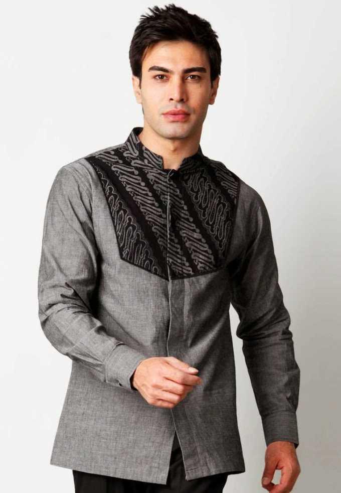 Batik kantoran keren yang dikombinasi dengan kain jas