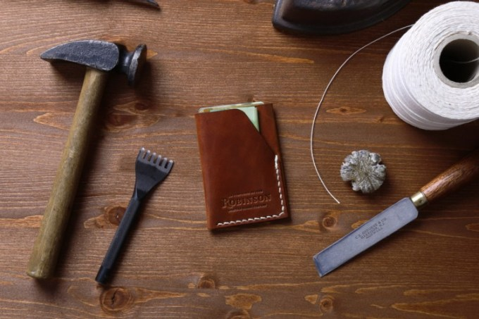 Cara Merawat dompet kulit asli