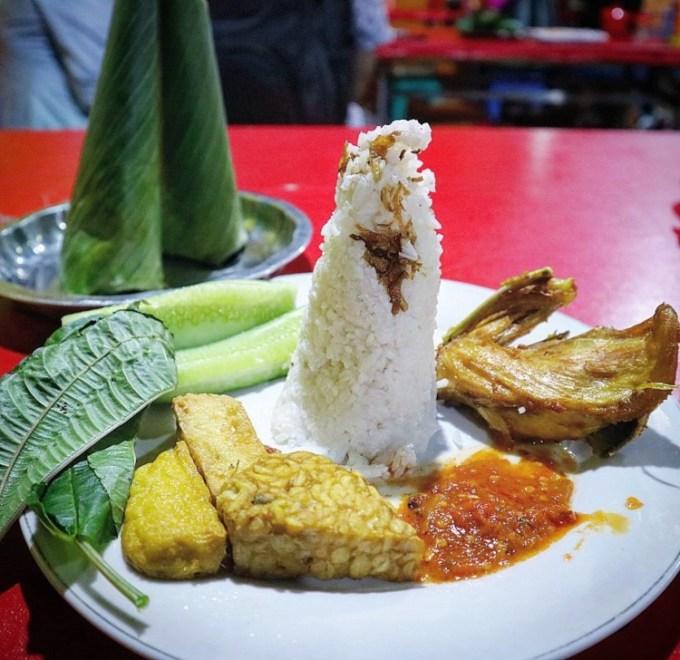 Nasi Uduk Gondangdia, tempat makan di Jakarta